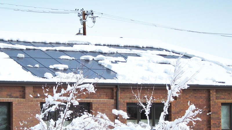 pic_34144-snow-and-solar_01